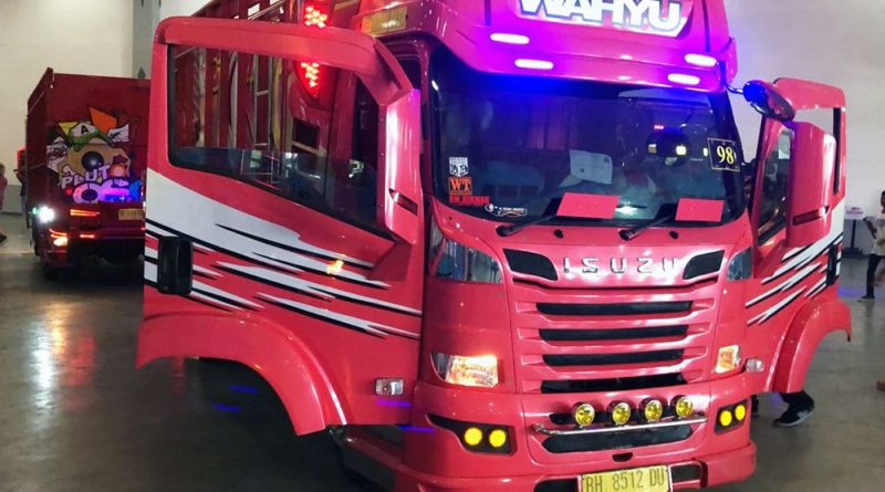 Belasan Truk Isuzu ELF Ramaikan Jogjakarta Truck Festival 2018